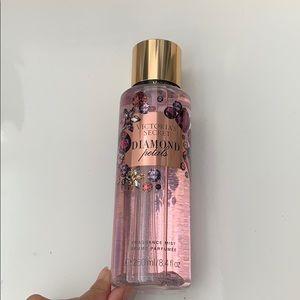 Victoria Secret diamond petals fragrance mist
